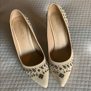 Cream studded dress shoes